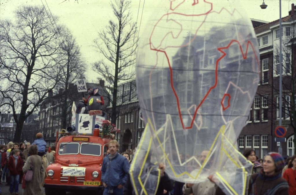 1981 Ban the bomb 1