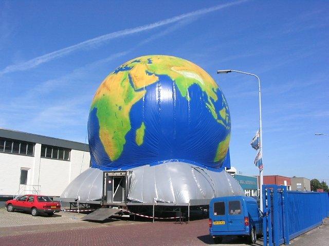 2004 Projectionplanet 1
